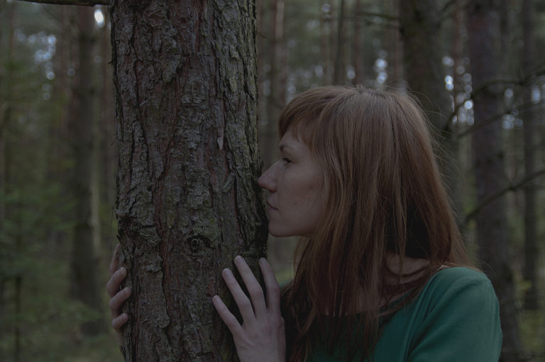 """""""Kocham przytulać drzewa"""""""